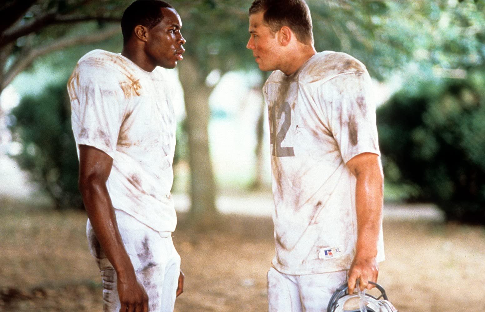 Wood Harris y Ryan Hurst en Remember the Titans (2000)